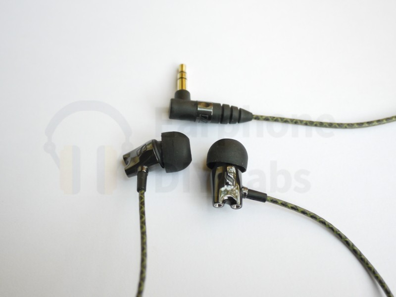 Earbuds with curved front-end
